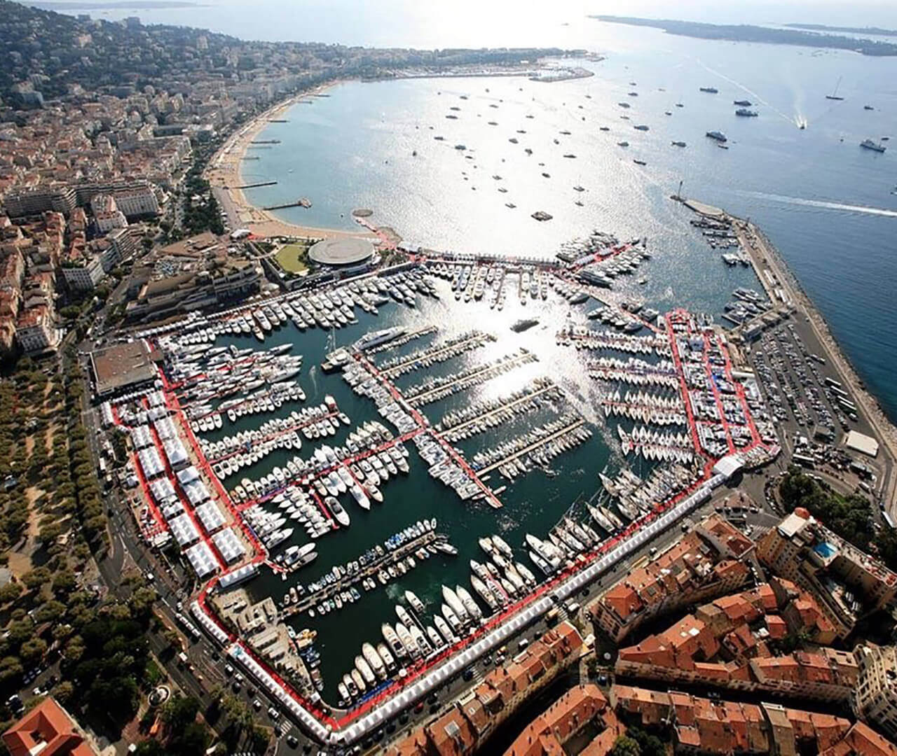 Visit Dynamiq at Cannes Yachting Festival