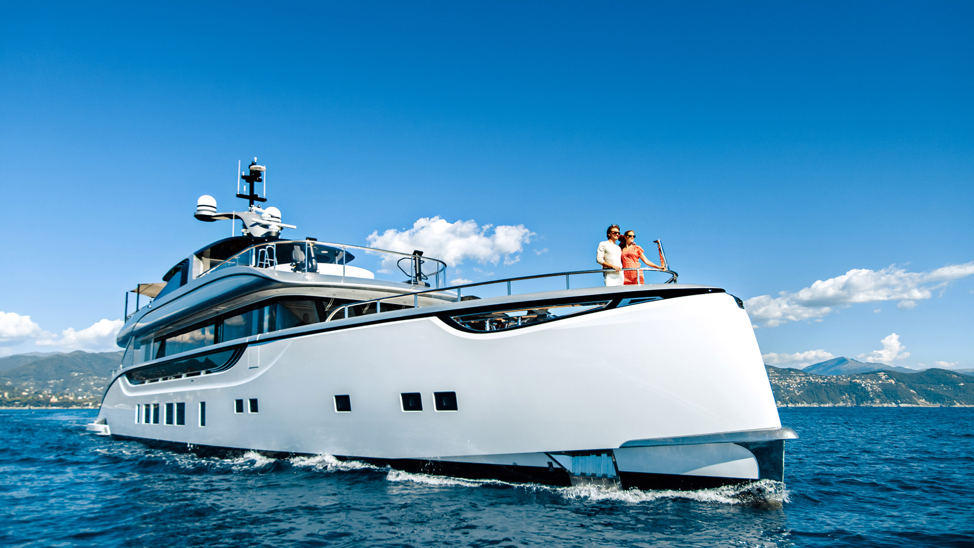 Dynamiq Jetsetter yacht cruising in Italy