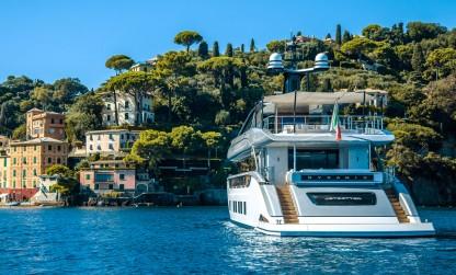 Dynamiq yacht Jetsetter in Italy