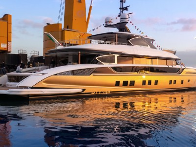 DYNAMIQ FLAGSHIP the 41 meter STEFANIA LAUNCHED