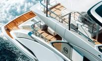 Dynamiq Jetsetter yacht cruising, top view