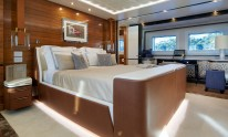 Dynamiq Jetsetter yacht master bedroom by Bannenberg & Rowell